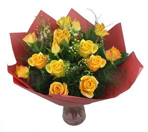 Valentines Glowing Rapport 12 Roses